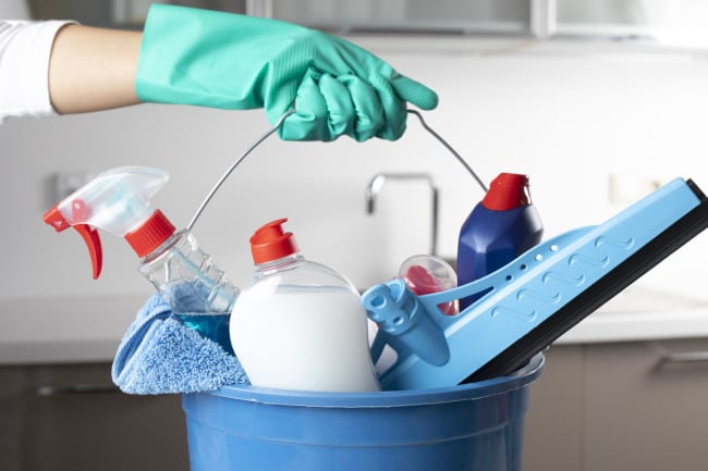 Top Benefits of Hiring a Professional for Your Belated Spring Cleaning